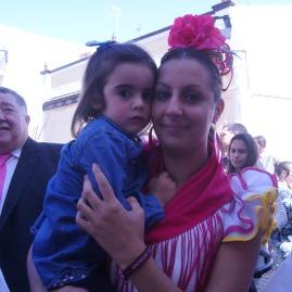 Maria Luisa y la pequeña Daniela (voz)